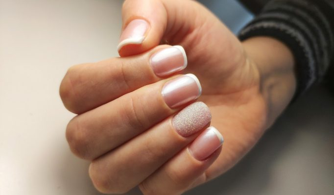 Нежный дизайн ногтей